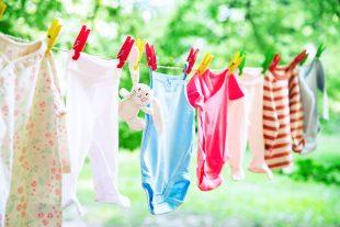 Dicas e cuidados ao lavar roupas de bebê